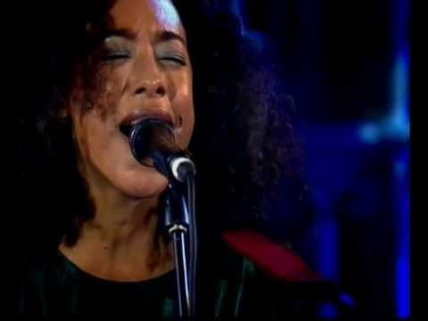 Corinne Bailey Rae - Little Noise Session @ Union Chapel