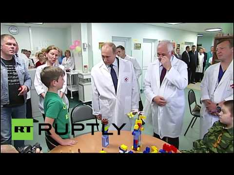 Russia: Putin visits young victims of the Ukraine conflict at Moscow hospital