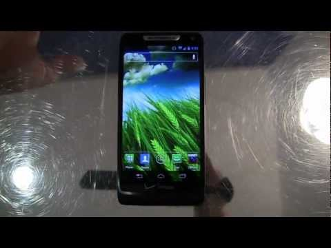 Video: Motorola DROID RAZR M Unboxing