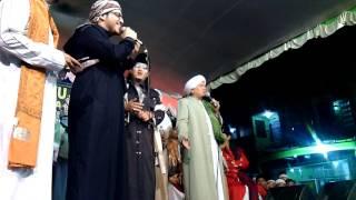 download lagu Kh Salimul Apip Feat Syeikh Taha Antar - Ustadzi gratis