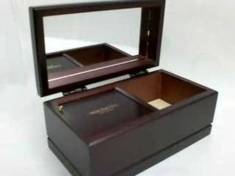 mikimoto musical jewelry box Video