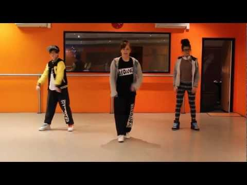 Learn a routine suitable for Teenagers, or Advanced Kids. Please like our facebook page - http://www.facebook.com/breakoutdance Or follow us on twitter @brea...