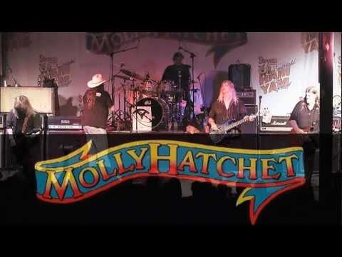 Molly Hatchet - In The Darkness Of The Night (Live 2012)