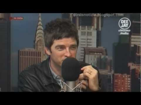 [39 min] Noel Gallagher @ Deejay Chiama Italia 28.11.2011