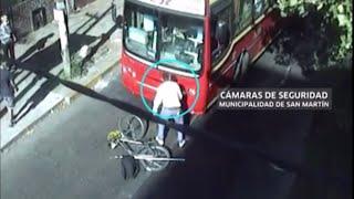 Atropelló a un ciclista, se bajó y le dio una paliza