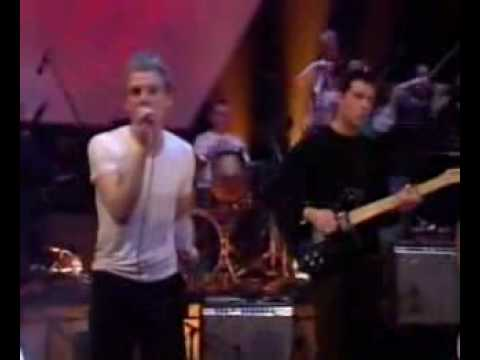 Belle   Sebastian -I'm Waking Up To Us (Live)-.flv