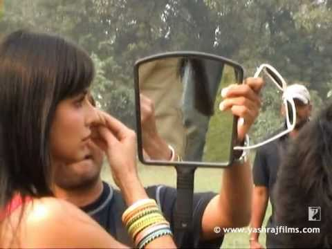 Making Of The Poster  - Mere Brother Ki Dulhan