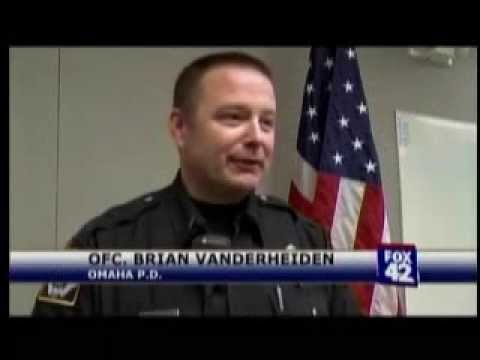 A Day in The Life of a Police Officer-2013-05-05