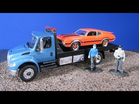 International DuraStar Flatbed and Delivery Trucks From Greenlight Collectibles Green Machine