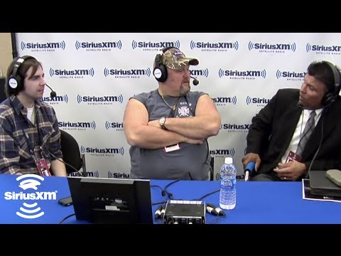 Super Bowl XLVI:Larry the Cable Guy & Anthony Munoz: