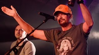 "Kid Rock Stuns Gretchen Wilson With ""Bad Feeling"""