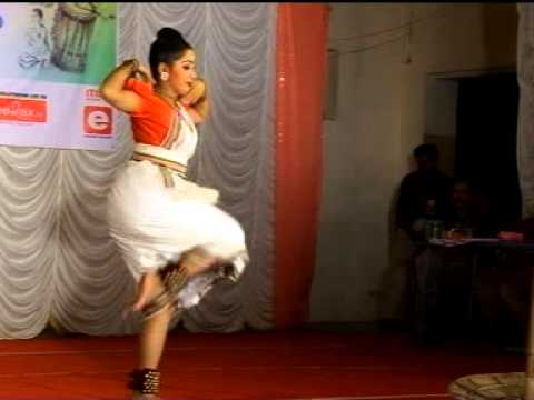 Kalolsavam 2014 Folk Dance(hss) First With A Grade Neethu Krishna video