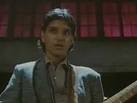 crossroads guitar duel (ralph macchio vs steve vai) Video