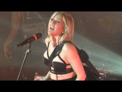 Ellie Goulding - Burn - LIVE PARIS 2014