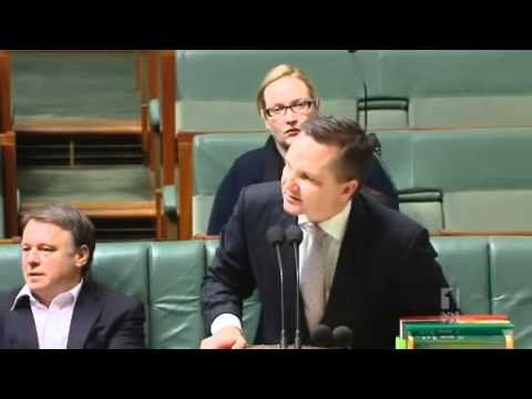 Abbott pours scorn on asylum seeker committee