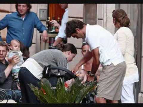 Roger Federer,Mirka and their twins