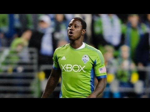 GOAL: Eddie Johnson smashes home Zakuani cross | Seattle Sounders vs Portland Timbers