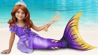 Download lagu Sofia Pretend Princess & playing with Dolls, Makeup for little princess
