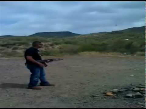 Rafageando el cuerno de chivo AK-47 Video