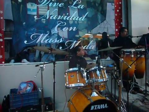 Super Grupo Cautivo Inauguración de la tienda Mass Moda en Matias Romero Oax.