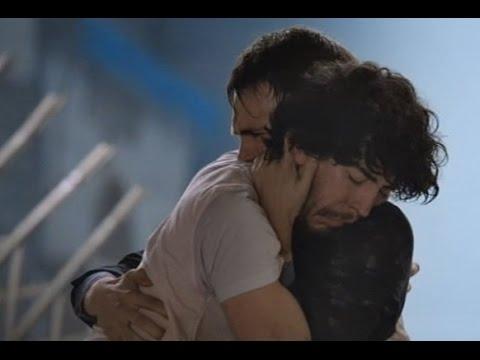 Cuéntame Cómo Pasó: Josete y Carlos salen del incendio Alcalá 20