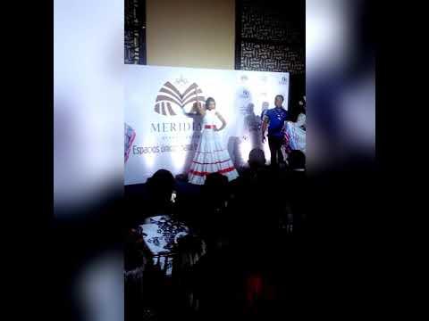 Zaidy Bello Miss Barahona presentando su talento