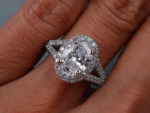 170 Ctw Oval Cut D SI1 Diamond Engagement Ring