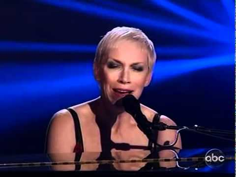 Annie Lennox - Why live at the AMAs and award presentation