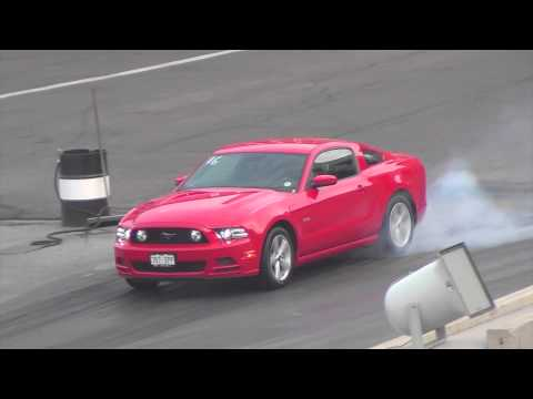 2013 ford mustang gt vs infinity g35 coupe how to make. Black Bedroom Furniture Sets. Home Design Ideas
