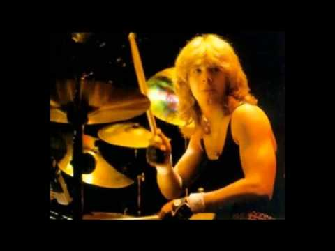 Iron Maiden - Live - 1982 - Phantom Of The Opera (Very Rare)