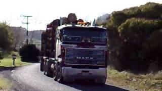 Mack v8 525 DVSDOG