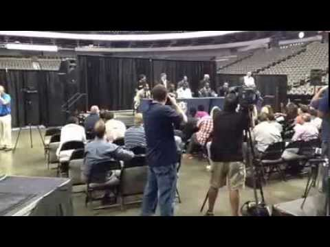Dallas Mavericks Press Conf. 2013 (Mark Cuban) - Kidsntheknowonline.com