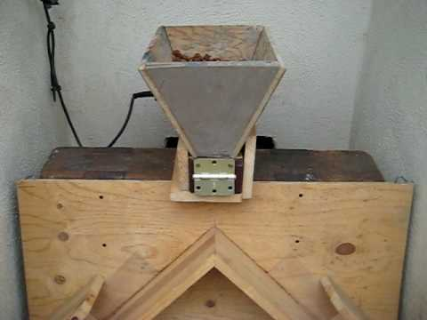 Automatic Dog Feeder By Laikian Ong Youtube