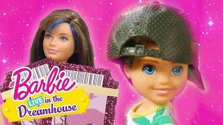 CONFRONTO DE ÍDOLOS   Barbie LIVE! In The Dreamhouse   Barbie