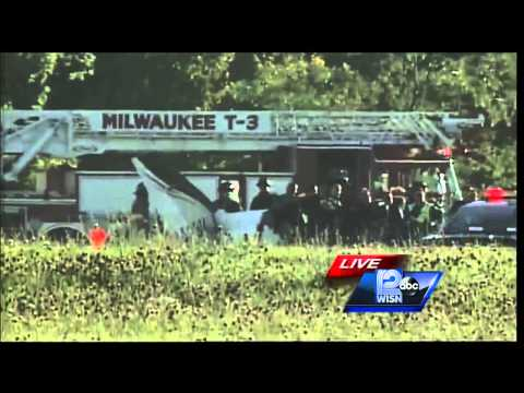Breaking News: Small plane crash, possible drowning