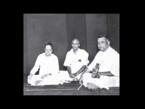 Madurai Mani Iyer- T Chowdiah - Rtp Mohanam- Sarasa Dhala Nayana Hare Krishna video