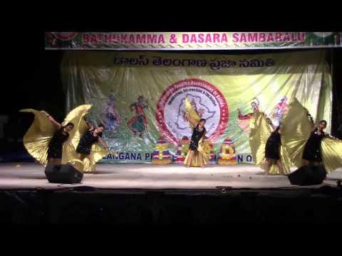 Shanthi Nuthis group perform to Taal song at TPAD Dasara Bathukamma...