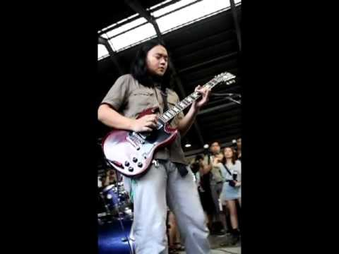 Lupang Hinirang (philippine National Anthem) By Kakoy Legaspi  Rock The Riles 2011 Mrt Shaw Station video