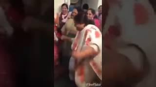 Fat aunty dancing - too hilarious