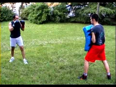 Boxe Savate - combination kicks Image 1
