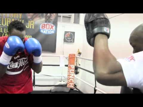 HEAVYWEIGHT DERECK CHISORA POWERFUL PAD SESSION WITH TRAINER DON CHARLES / BAD BLOOD