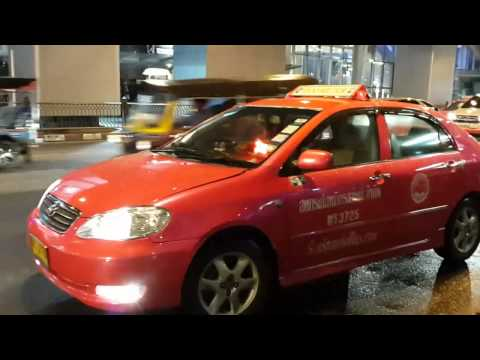 Example of Bangkok TAXI refusing to pick up passengers