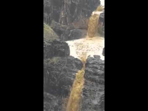 فيديو: انهيار حاجز مائي في محافظة المحويت