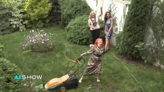 Provocare AISHOW: Irena Boclincă tunde iarba sexy