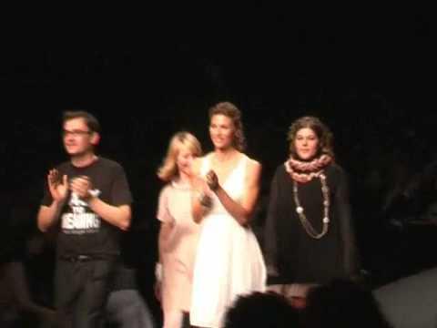Milan Fashion Week Woman: Martina Colombari per Regeneration