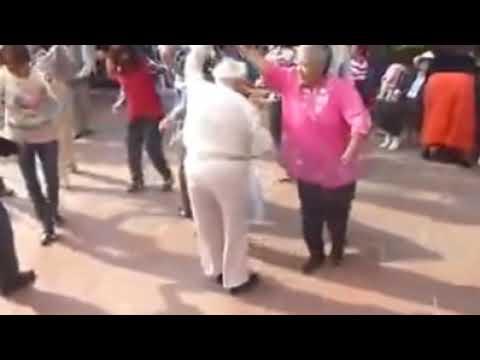 El Abuelo Bailarin  Puro Sabor