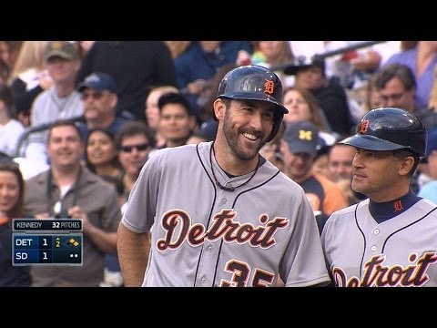 Verlander singles for first Major League hit
