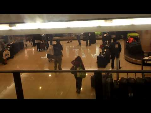 PET SHOP BOYS AEROPUERTO SANTIAGO DE CHILE PARTE 1
