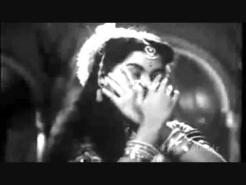kar gaya re kar gaya mujh pe jadoo..Lata - Asha - Shailendra...