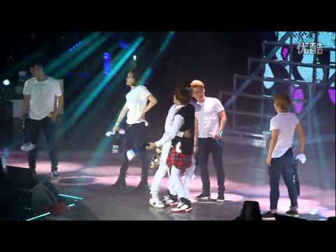 141122 Super Show 6 in Beijing  D&E - HELLO